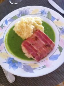 Baconinlindad fiskfilé